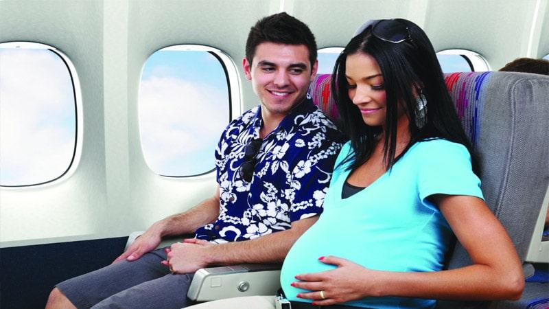 Можно ли летать на ранних сроках беременности девушкам?
