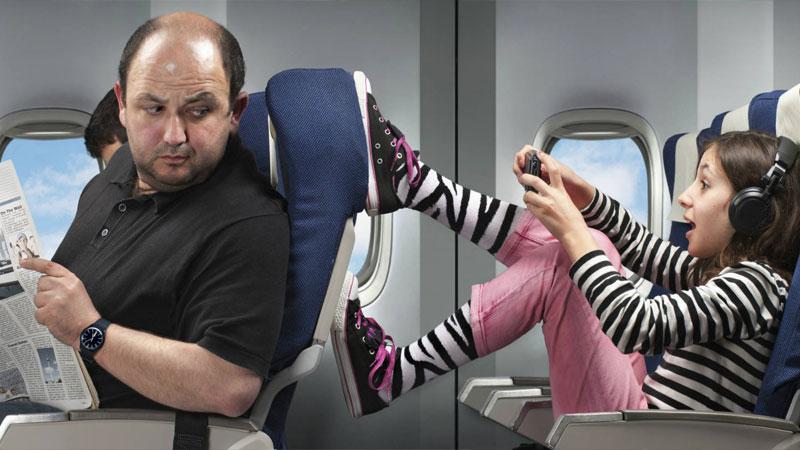 Что взять ребенку в самолет - хорошо помогают электронные гаджеты