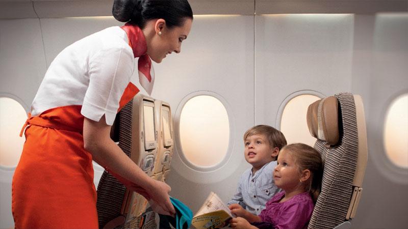 Не бойтесь отправить ребенка самого без родителей - за ним присмотрит стюардесса