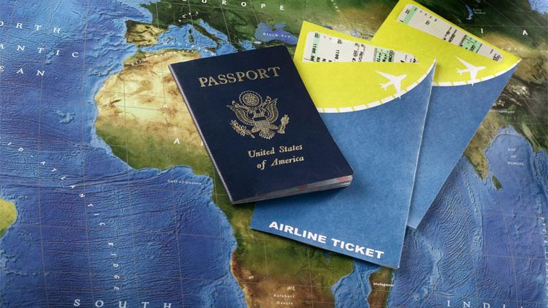 Для регистрации в аэропорту у вас должен быть собран пакет документов
