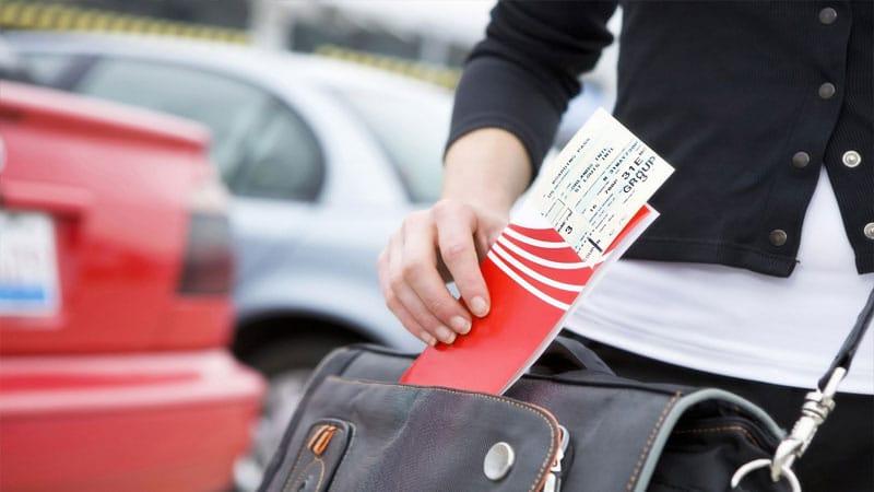 Как правильно сдать билет на самолет