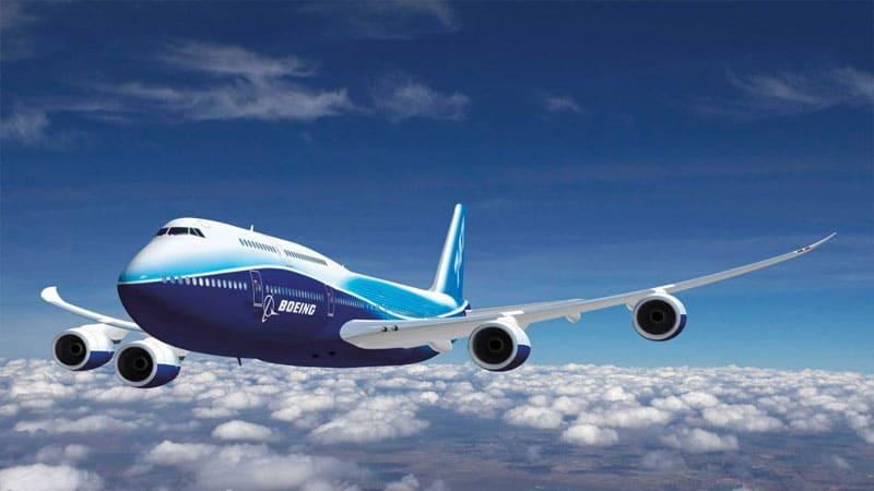 На какой высотеобычно летают пассажирские самолеты