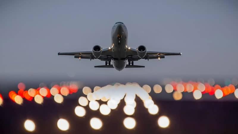 Как взлетает самолет