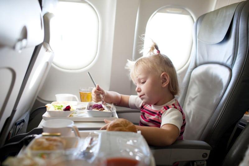 до скольки лет детский билет на самолет