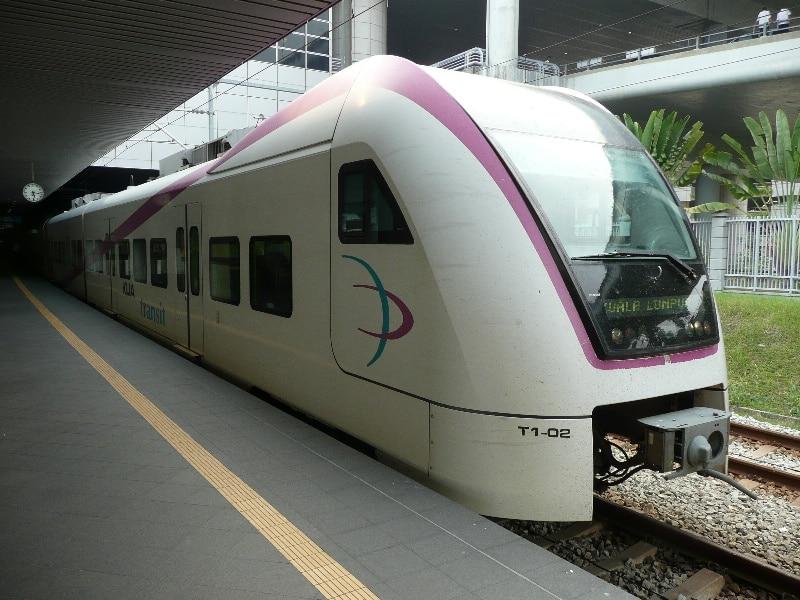Добраться из аэропорта Куала Лумпур до центра на поезде