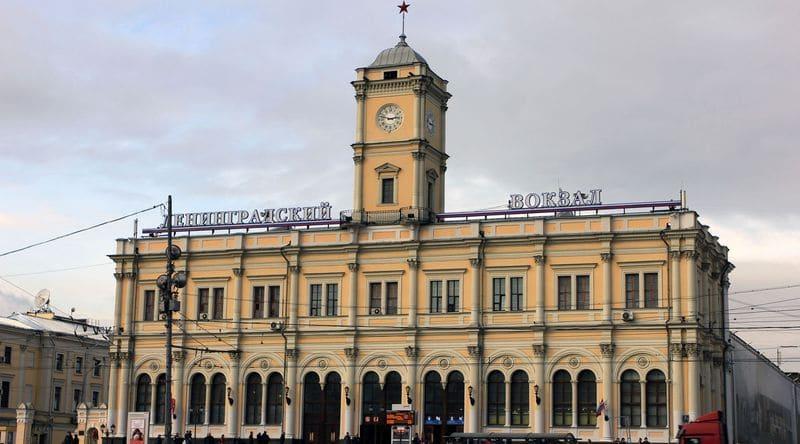 Добраться до аэропорта Шереметьево с Ленинградского вокзала