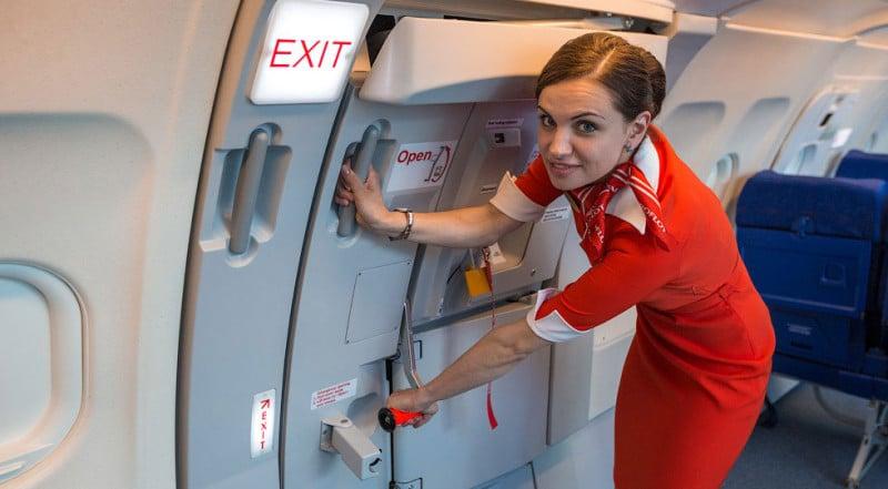 правила поведения в самолете для детей