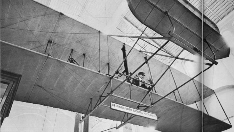 первый реактивный пассажирский самолет в мире