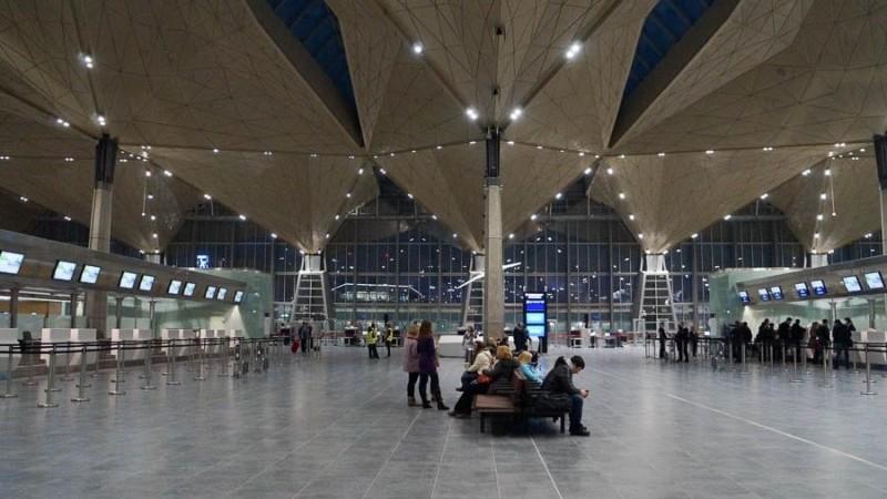 сколько аэропортов в Питере