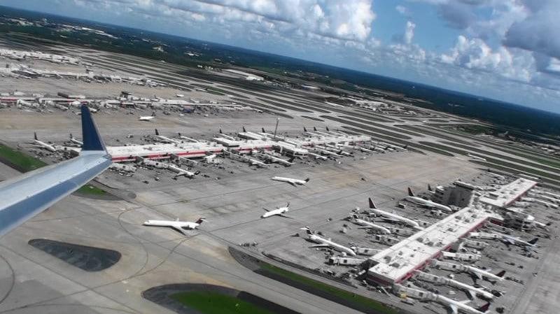 секс студенческом самая большая аэропорт в мире наступает волнами