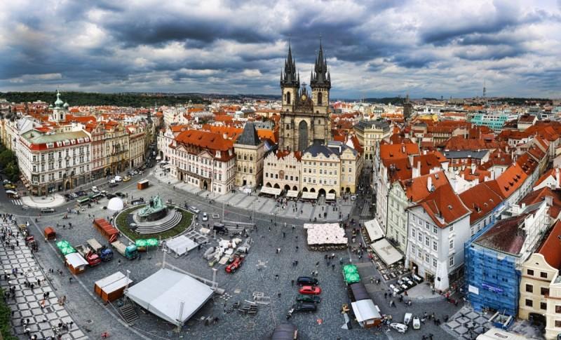 сколько аэропортов в Праге