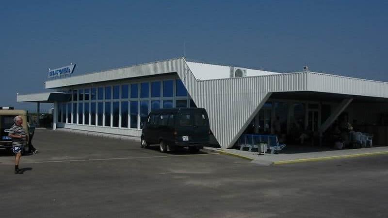 аэропорт в Севастополе есть или нет