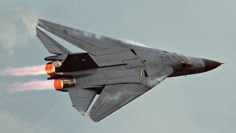 Американский бомбардировщик General Dynamics F-111