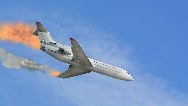 падает самолет сонник