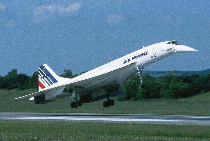 Из какого металла делают самолеты