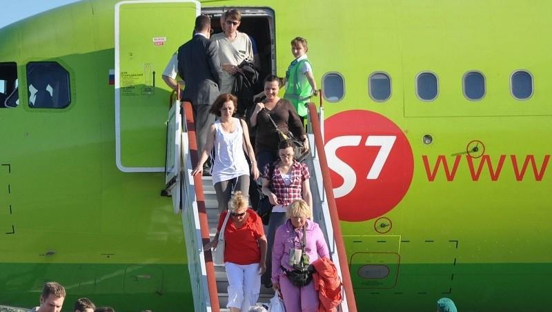 Нужно ли забирать багаж при пересадке, если одна авиакомпания?