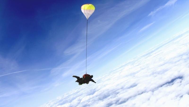 есть ли парашюты в пассажирских самолетах