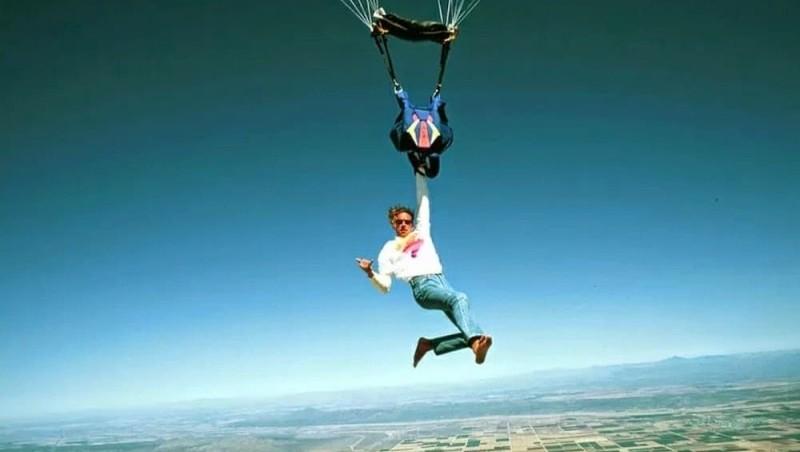 почему в самолетах не дают парашюты
