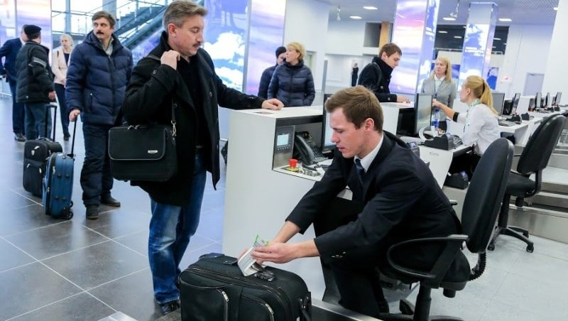 как сдавать багаж в аэропорту