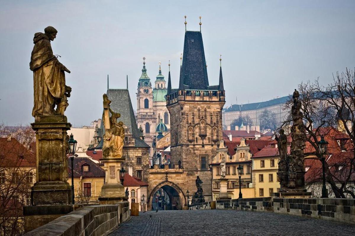 сколько лететь до Праги из СПБ