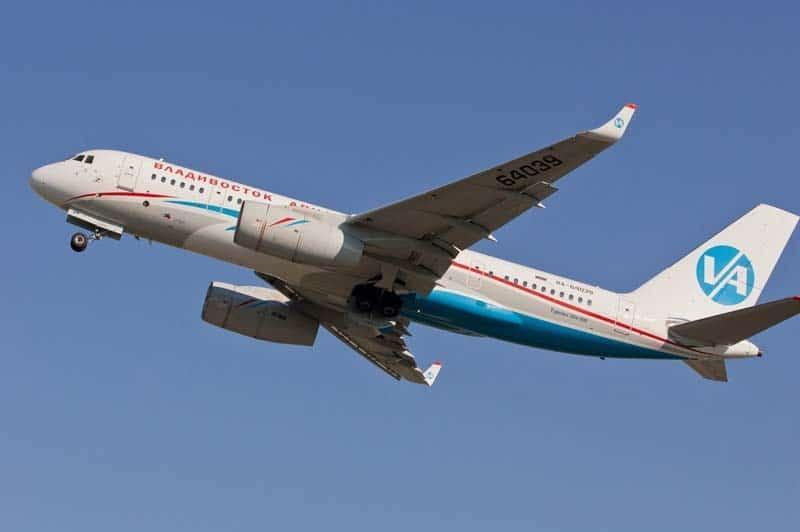 Самолет Ту-204 фото