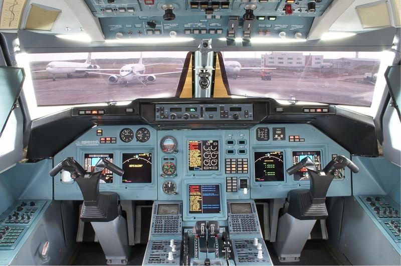 Самолет Ту-204, фото
