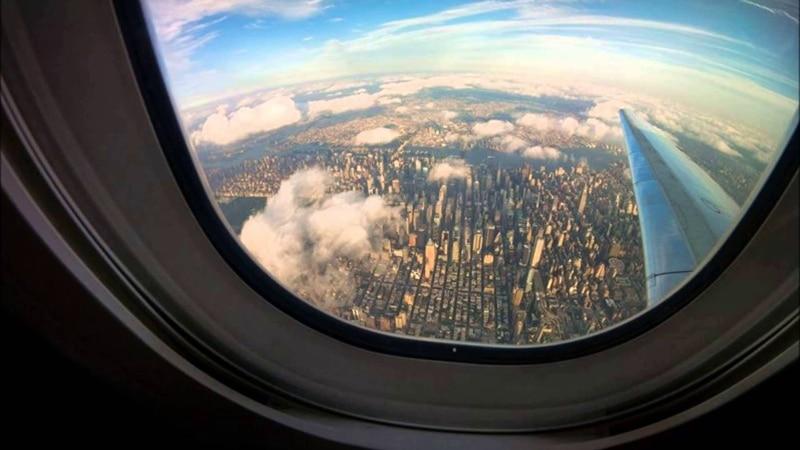 окно в самолете называется
