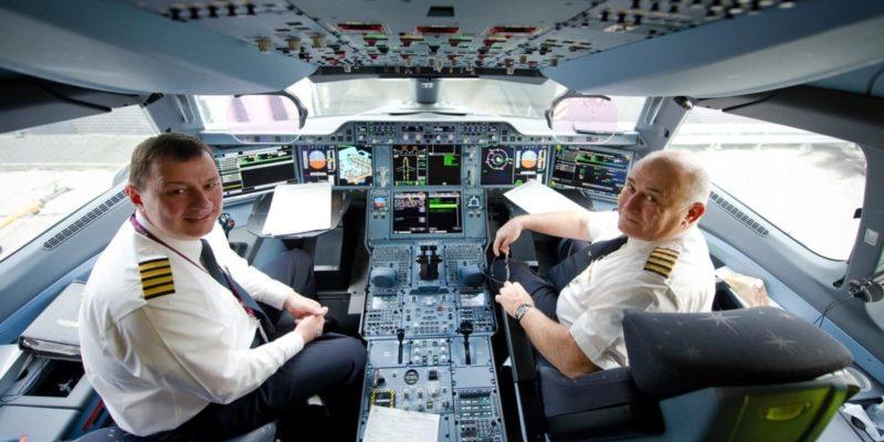 Сколько получают летчики гражданской авиации