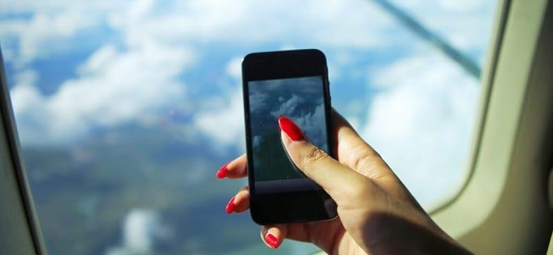 Можно ли пользоваться планшетом в самолете