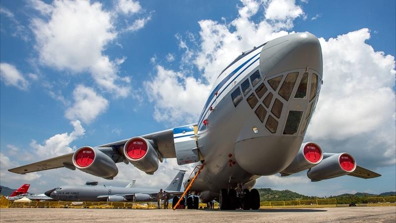 видео выброски десанта с Ил-76