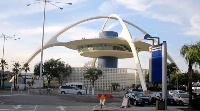 международный аэропорт Лос-Анджелеса онлайн-табло вылета и прилета