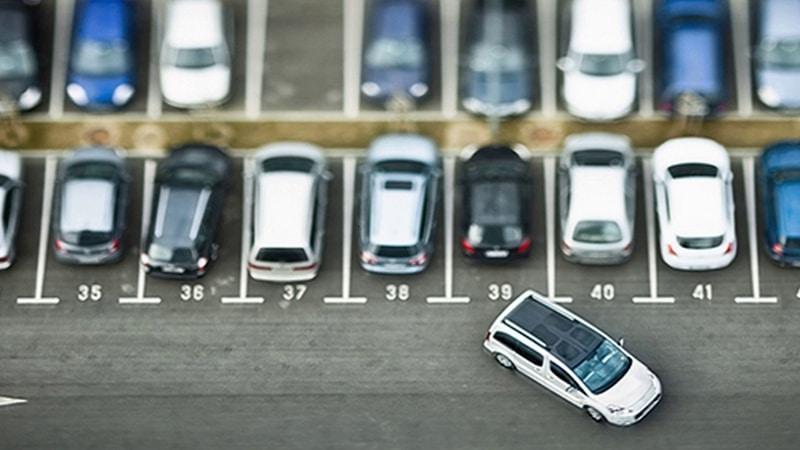 парковка в аэропорту Хельсинки Вантаа