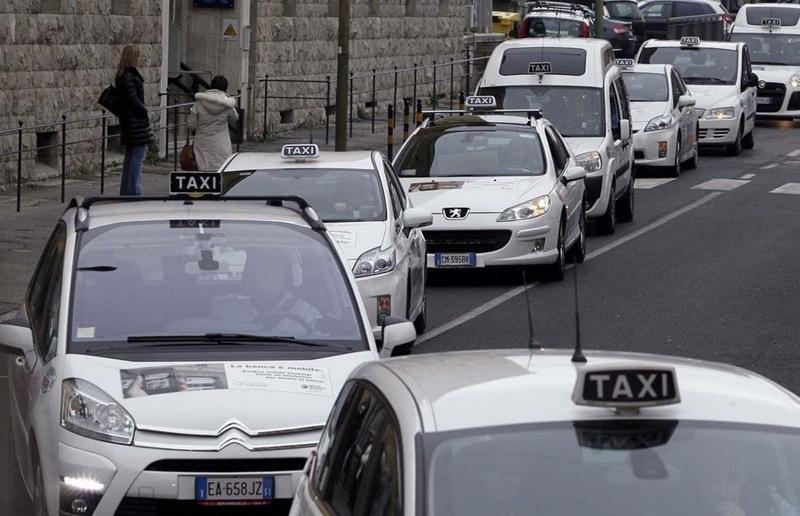 такси в Милане