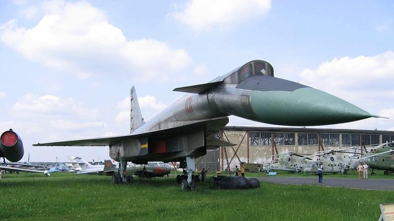 """самолет Т-4 """"сотка"""""""
