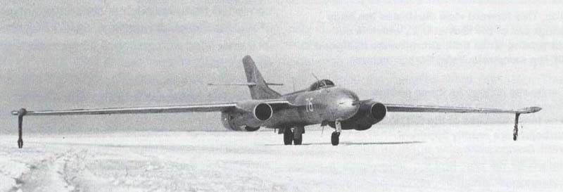 Истребитель Як-25
